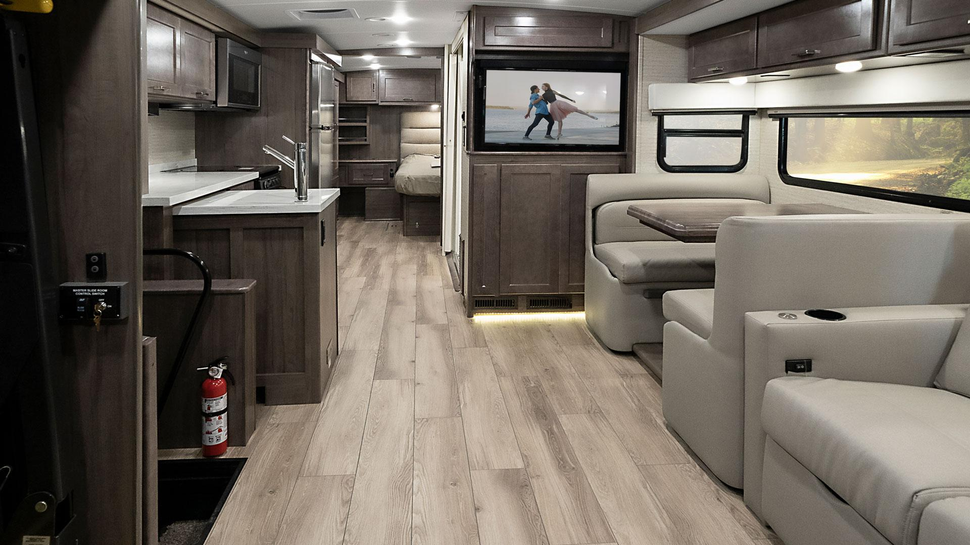 /Files/Images/Winnebago/Products/2020/Forza-AE/FZAE-F2B-20.jpg