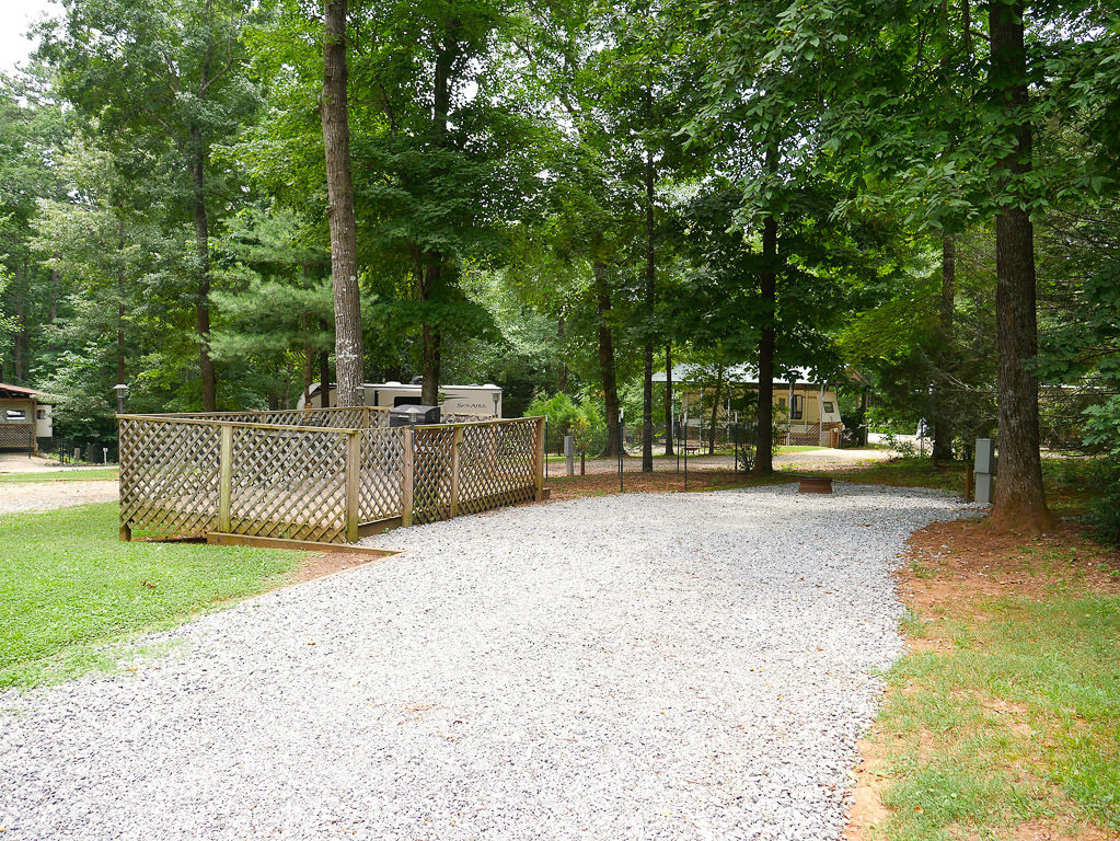 View of 4 Paws Kingdom Campground