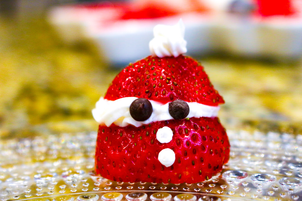 Strawberry Santa Fruity Treats